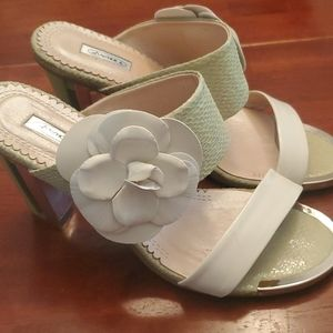 Luv Shoes Green and White Rose Sandals